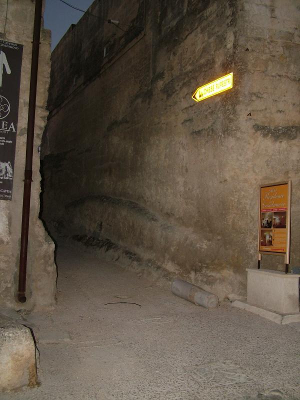Accesso alla mostra di Vittorio Sgarbi sulla follia