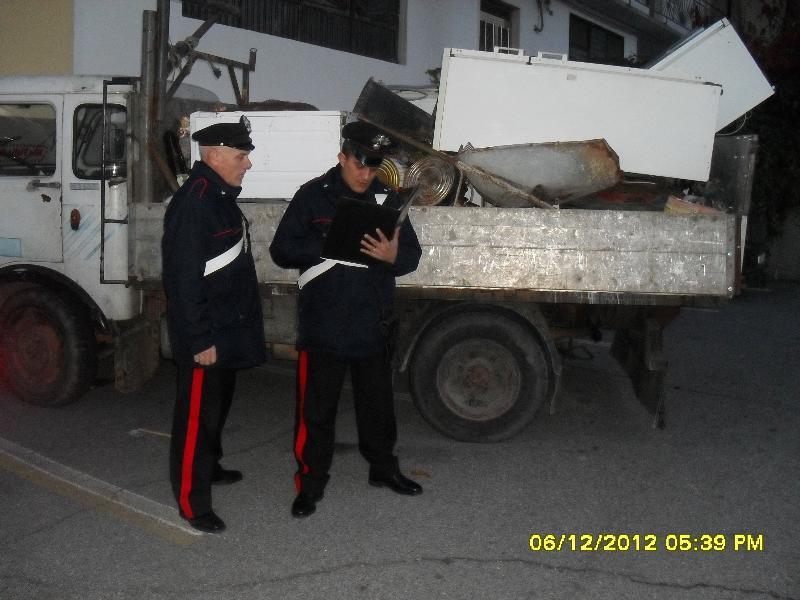 Camion che trasportava rifiuti speciali