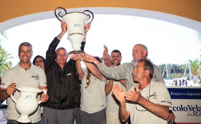 """Equipaggio di ANLU alla premiazione del """"Trofeo Megale Hellas"""""""