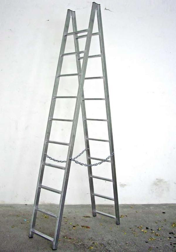 Francesco Arena, 19,45 metri di metallo sotto forma di scala (la caduta di Pinelli), 2009, zinc planted