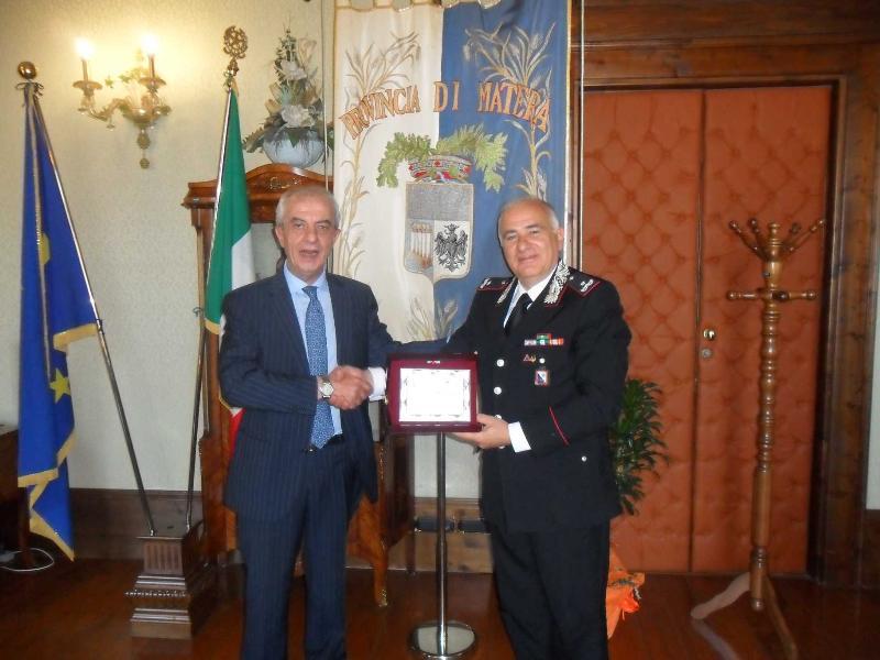 Franco Stella e il comandante della Legione Carabinieri di Basilicata, generale di Brigata Mauro Cipolletta
