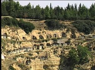 Grotte di San Giorgio Lucano (foto www.grottesangiorgio.it)