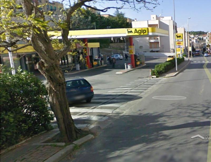 il distributore Eni di via Lucana a Matera (foto martemix)