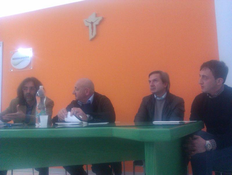 Il Sen. Carlo Chiurazzi tiene una lezione su Etica economia e bene comune
