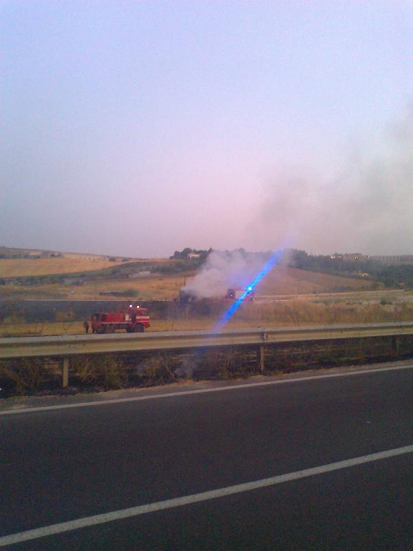 incendio rimorchio (foto Martemix)
