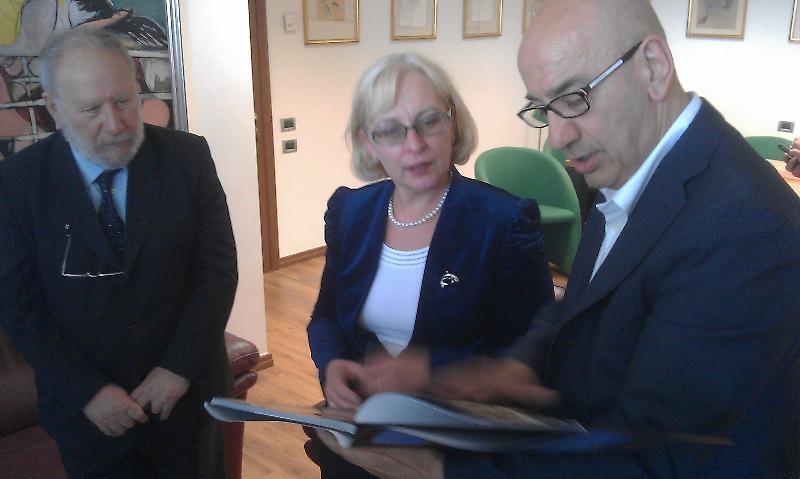 Incontro con ambasciatrice Estone al Comune di Matera per il Minibasket in piazza 2012