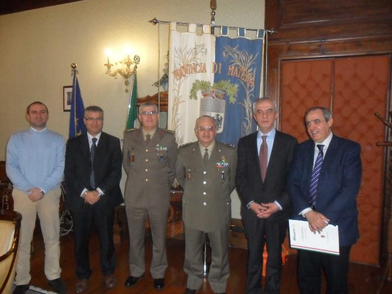 """Incontro con il comandante dell´Esercito """"Basilicata"""" in Provincia"""