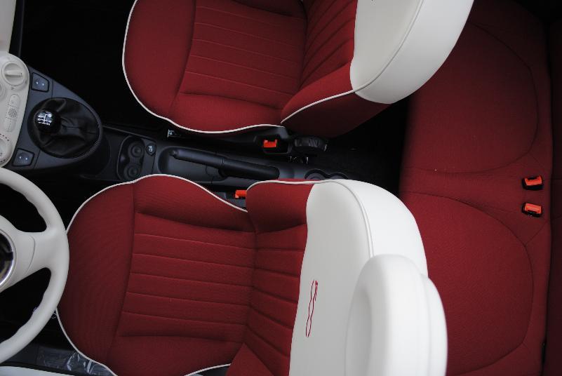 Interni della Fiat 500 (foto SassiLand)