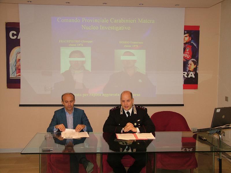 la conferenza tenuta dal capitano Basilio (foto Martemix)