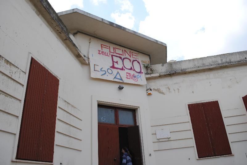 Le Fucine dell´Eco occupano la ex scuola materna di piazza Garibaldi nei Sassi di Matera