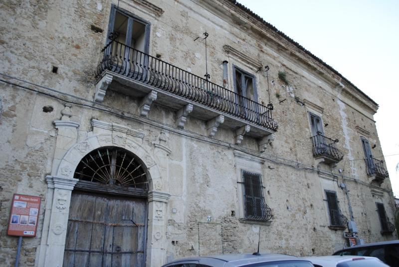 Palazzo Arcieri a San Mauro Forte - foto Gianni Cellura