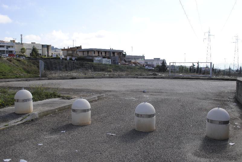 Parcheggio Zona PAIP 2 bonificato (foto Gianni Cellura)