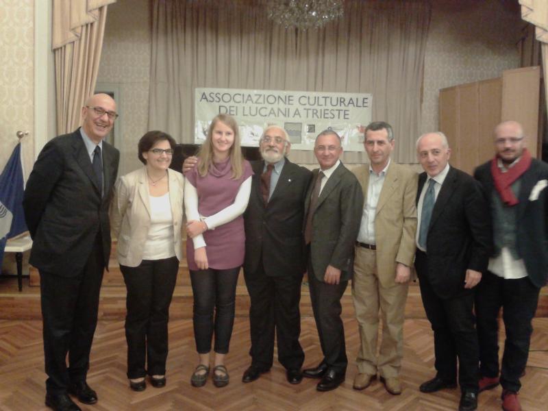 Premiazione della studentessa Isabella Giovannetti dal sindaco Adduce - 12 ottobre 2012