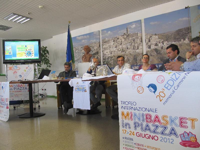 Presentazione di Minibasket in piazza 2012