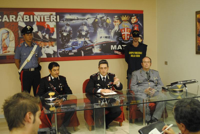 SCOPERTA PIANTAGIONE DI CANNABIS A MONTESCAGLIOSO - conferenza stampa dei Carabinieri - 28 settembre 2012