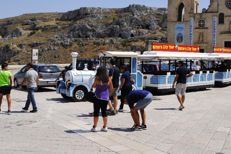 Turisti nei Sassi di Matera (foto SassiLand)
