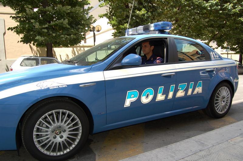 Volante della Polizia di Stato - Matera