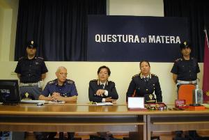 Conferenza stampa del 21 giugno 2012 sulla Piantagione di Marijuana rinvenuta dalla polizia di stato di Matera