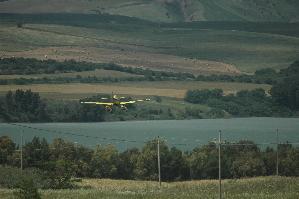 Esercitazioni aerei antincendio nella Riserva di San Giuliano