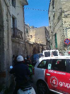 Gli ingorghi di ieri all'ingresso dei Sassi (foto Martemix) - Matera