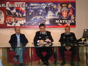 Conferenza stampa dei Carabinieri su violenza sessuale (foto martemix) - 27 aprile 2012 - Matera