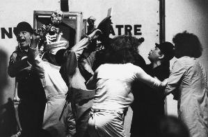 Le bellocce e i cercopitechi, 1974