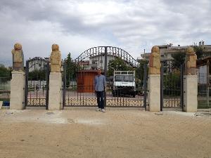 Pietro Gurrado e le statue nel Parco 4 Evangelisti