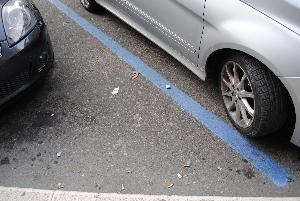 Strisce blu - parcheggio a pagamento (foto SassiLand) - Matera
