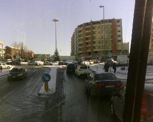 Tir fermo alla rotatoria di via Olivetti (foto Martemix)