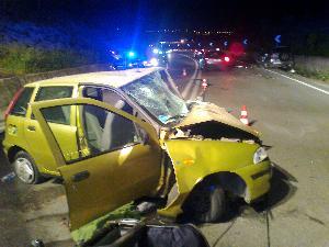 una delle auto coinvolte (foto martemix) - Matera