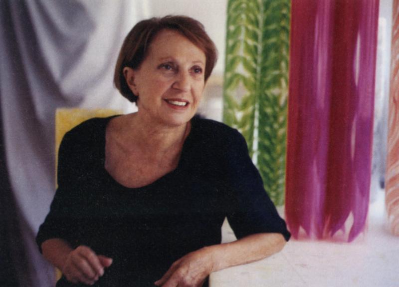 1.Carla Accardi con Rotoli nel suo studio in via del Babuino a Roma, 1999