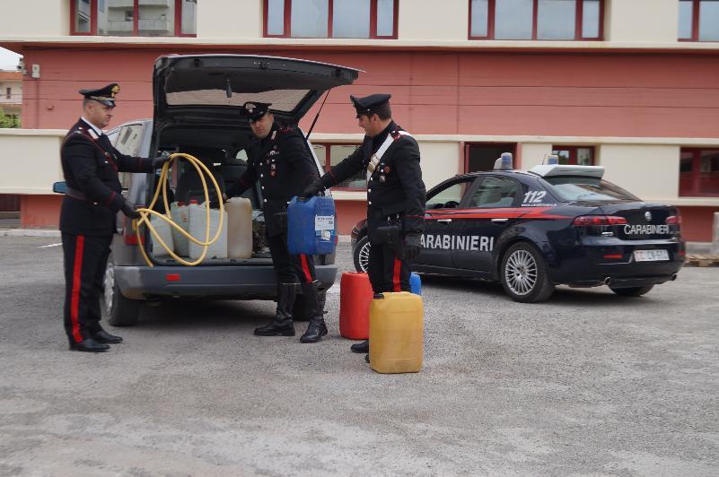 Carabinieri scoprono banda di ladri di gasolio