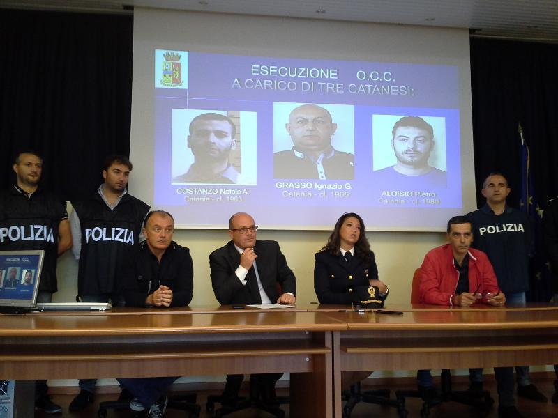 Conferenza stampa per indagini rapine alla MPS di via La Martella a Matera - 15 ottobre 2013 (foto SassiLand)