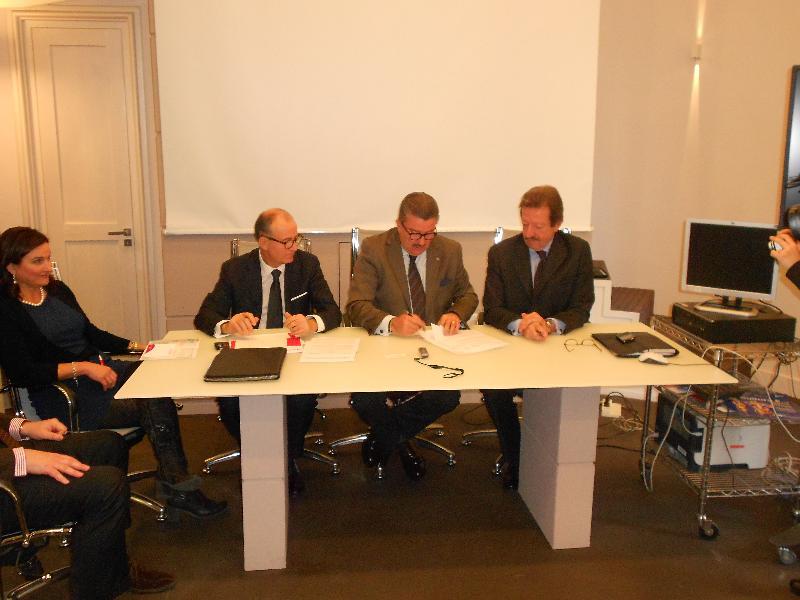 Firma accordo Unicredit-Camera di Commercio di Matera