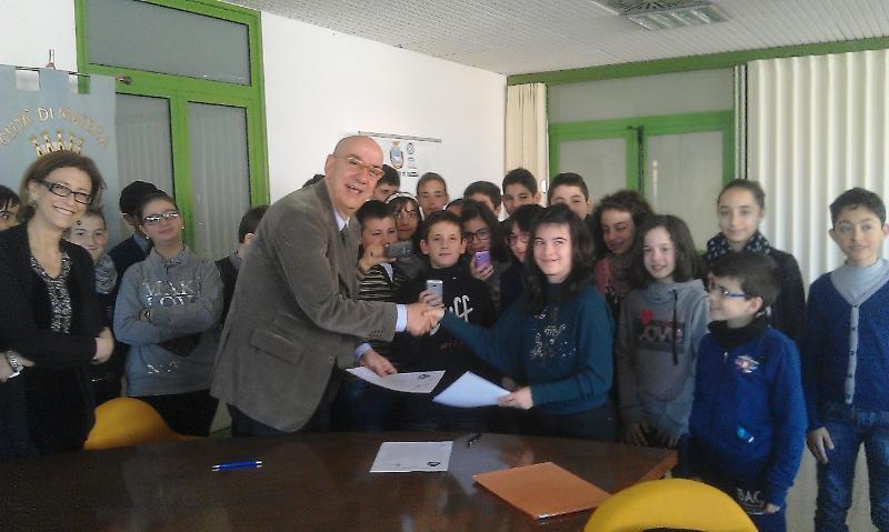 Firma dell´accordo sul gemellaggio culturale fra Matera 2019 e l´istituto Pascoli