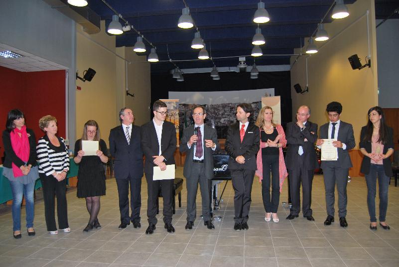 Foto di gruppo dei vincitori del Premio Rosa Ponselle 2013