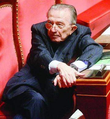 Il cordoglio per la scomparsa di giulio andreotti - Andreotti il divo ...