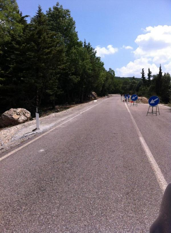 Il tratto sulla strada di Gallipoli - Cognato franato in località Palazzo (foto Antonio Vespe)