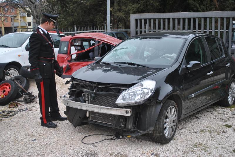 L´auto sequestrata dai Carabinieri di Ferrandina