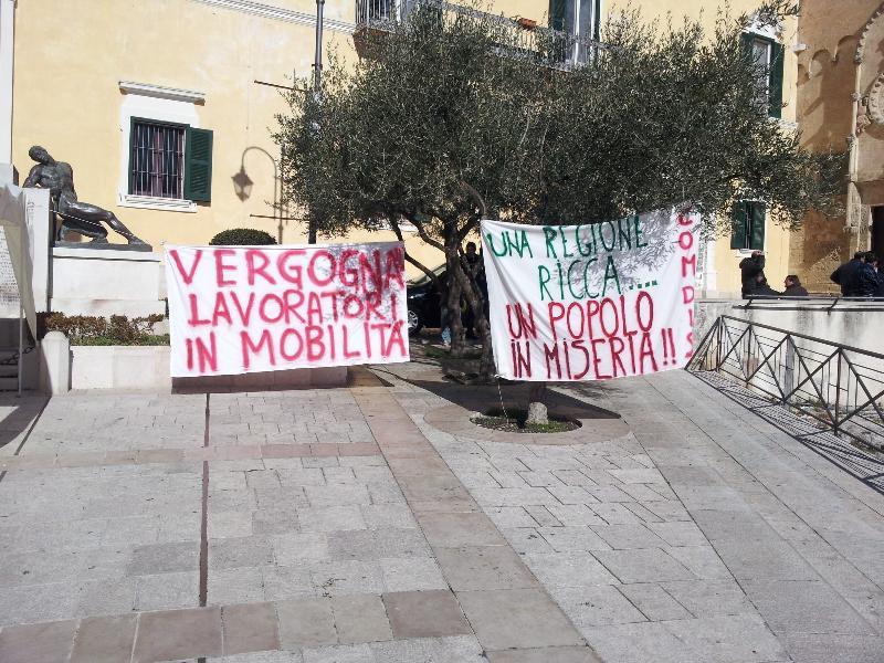 Manifestazione dei lavoratori della Val Basento - 30 gennaio 2013 (foto Francesco Calia)