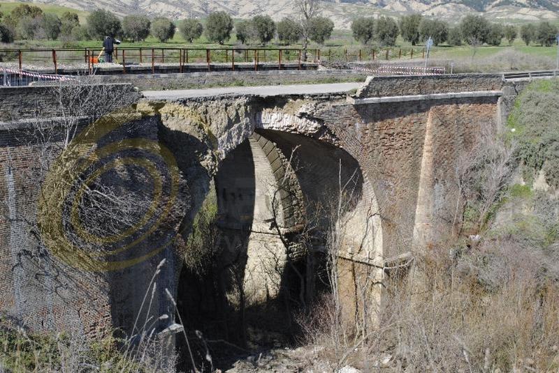Ponte Pisticci-Craco crollato (foto SassiLand)