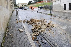 Detriti in via Lanera a seguito della tromba d´aria - 21 gennaio 2013 (foto SassiLand)