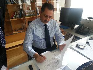 Marcello Pittella firma decreto di nomina dei nuovi assessori  - Matera