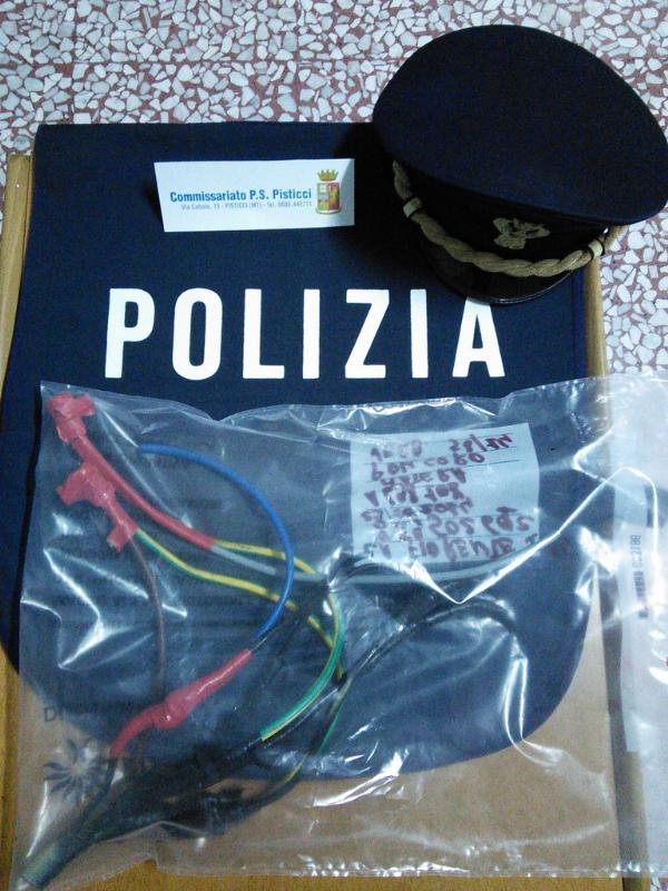 Cavi elettrici sequestrati dalla Polizia