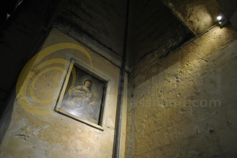 Edicola votiva in via Duomo - Matera (foto SassiLand)