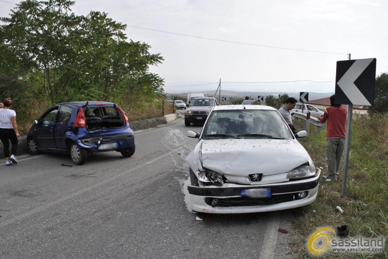 Matera: Incidente in via La Martella. Un ferito - 20 settembre 2014 (foto SassiLand)