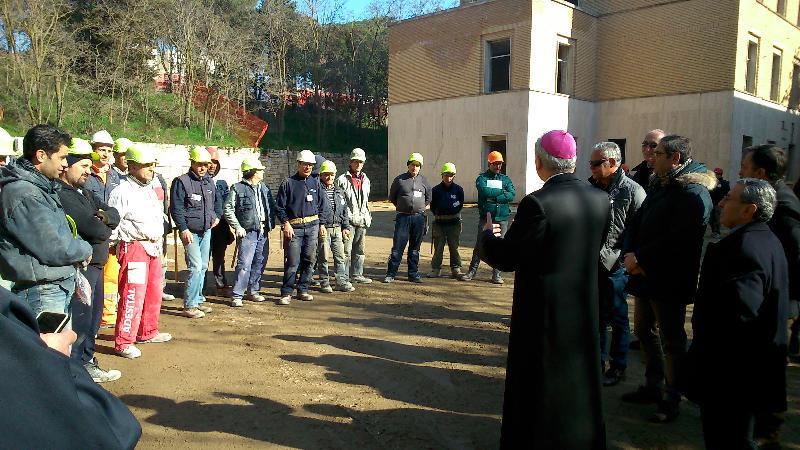 Mons. Ligorio visita il cantiere del nuovo Campus