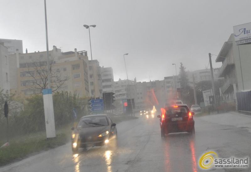 Pioggia in via La Martella a Matera (foto SassiLand)