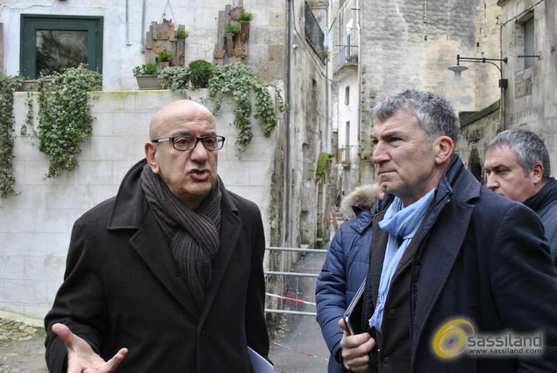 Salvatore Adduce e Adriano Pedicini alla conferenza stampa su chiusura via Casalnuovo (foto SassiLand)