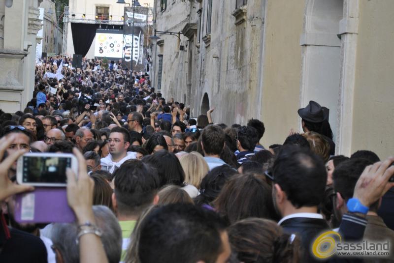 Via San Biagio gremita di gente - 17 ottobre 2014 (foto SassiLand)